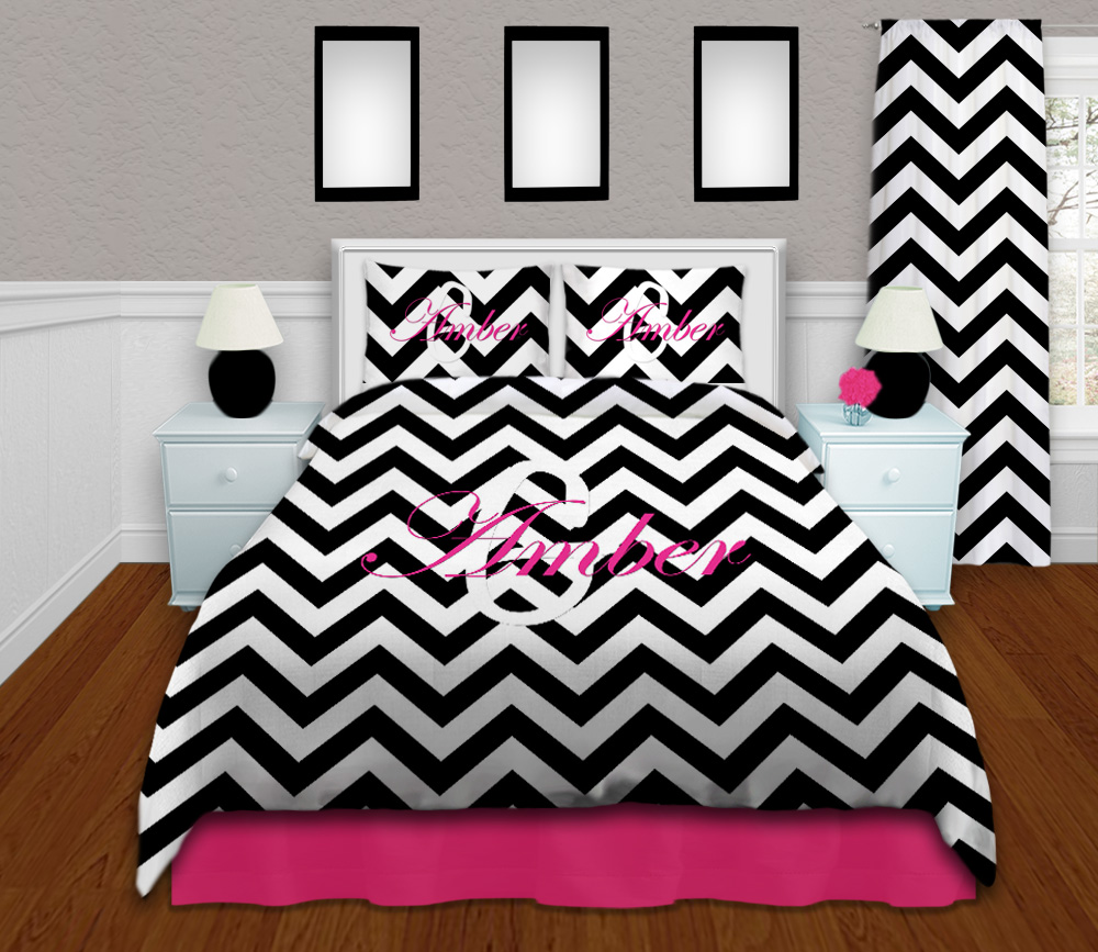 Black And White Modern King Comforter Set In Chevron Print